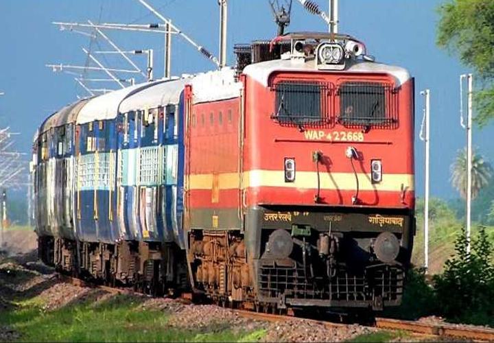 230 സ്പെഷ്യല് ട്രെയിനുകളില് തത്കാല് ബുക്കിംഗ് ആരംഭിച്ചു